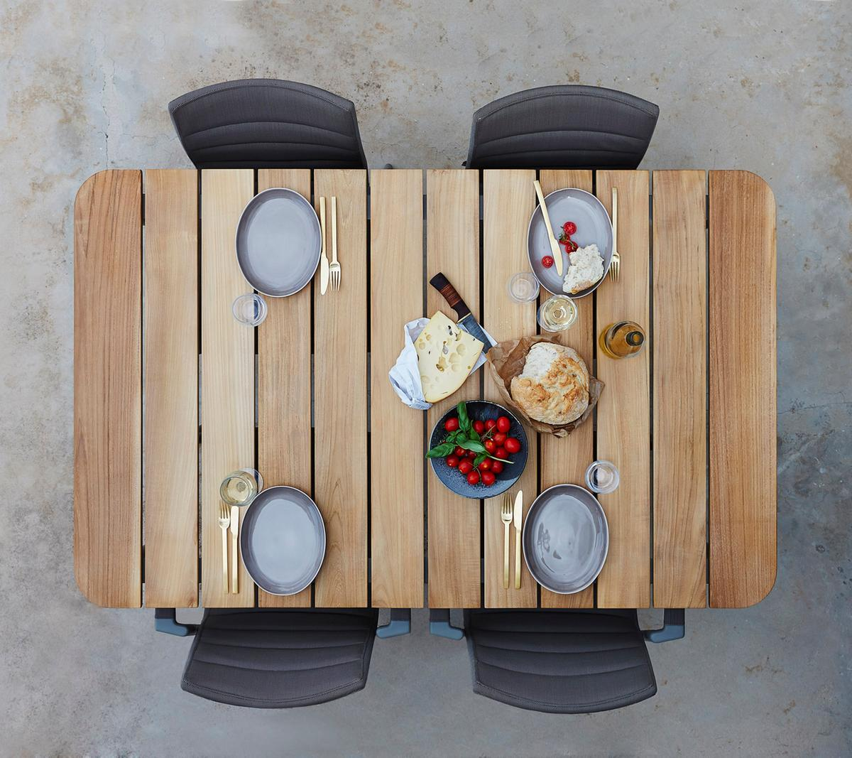 Core Dinning table