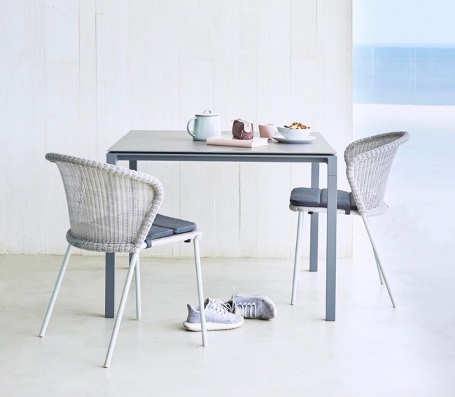 Pure dining table